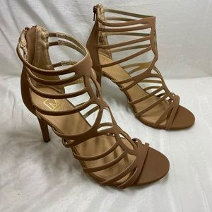 Material Girl Pixie Caged Sandals, tan size 9.5